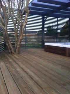 spa semi encastré à l'extérieur
