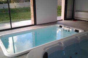 bassin de nage intérieur