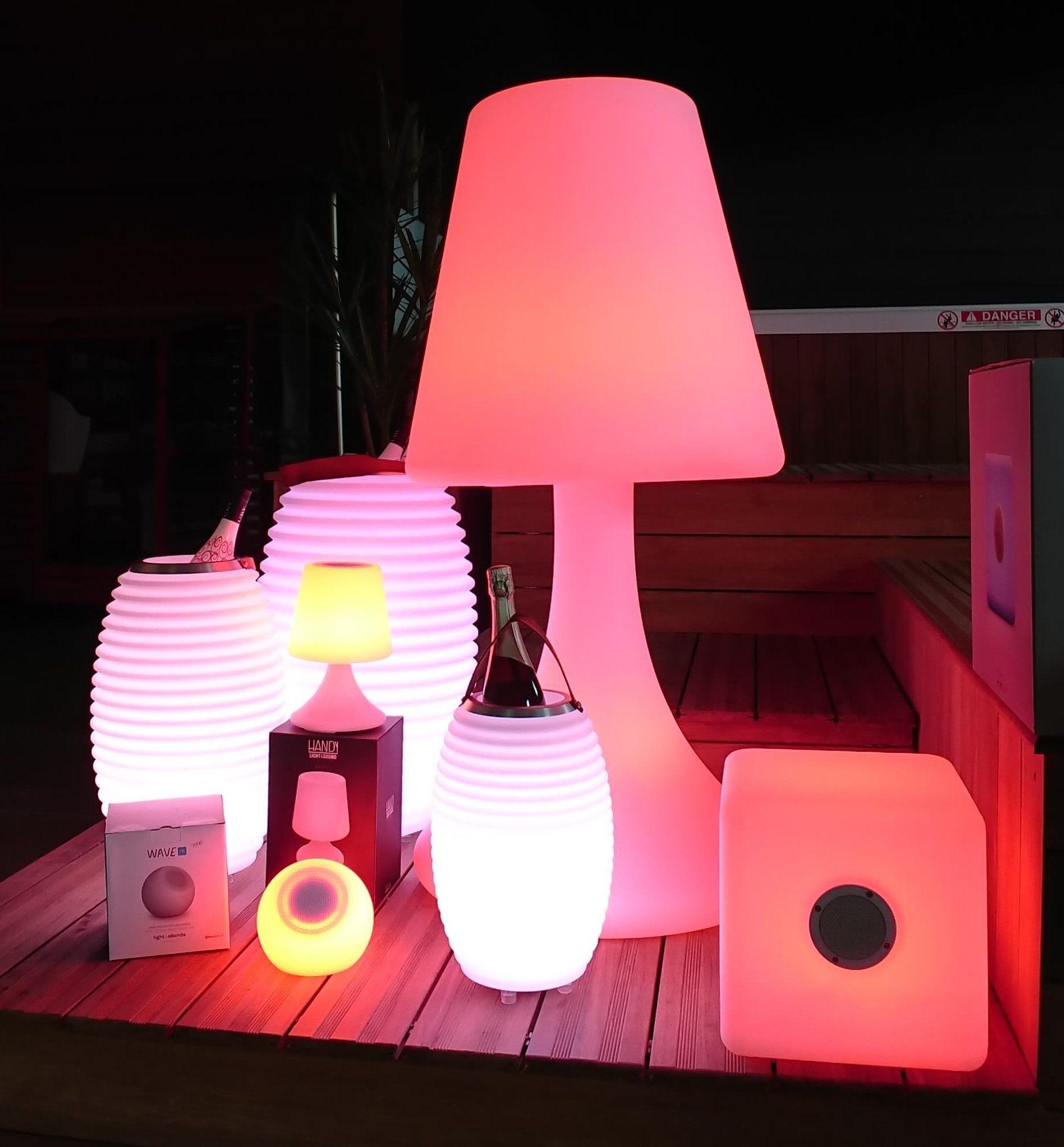 lampe enceinte bluetooth connecter pour couter votre. Black Bedroom Furniture Sets. Home Design Ideas
